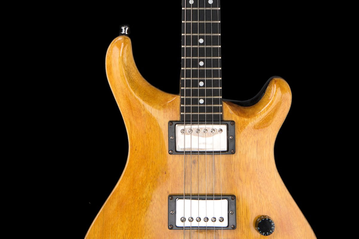 done chitarra elettrica shank instruments milano