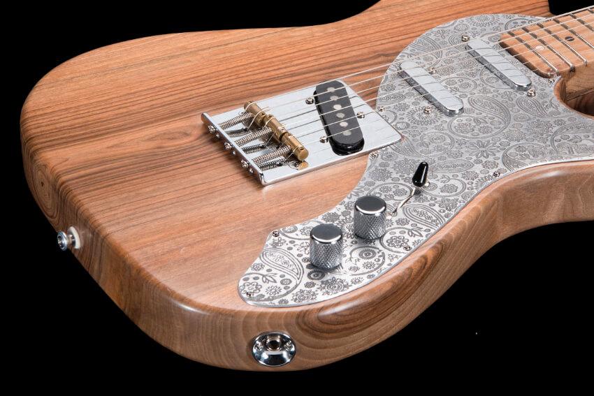 storyteller-telecaster-custom-replica-luthier-pickguard-aluminium-walnut