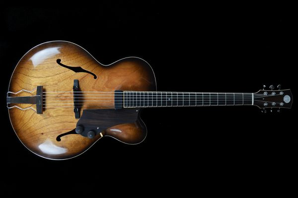 chitarra-archtop-jazz-liuteria-Shank-Instruments-Milano